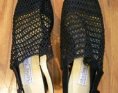 Vintage Charles David Black Crochet Sling Backs Chunky Heel 9M Mod