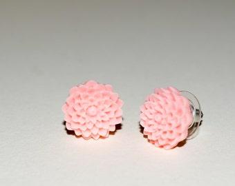 Peach Flower Post Earrings, Pink Stud Earrings, Pink Chrysanthemum Earrings, Round Flower Stud, Pink Flower Jewelry, Peach Flower Earrings