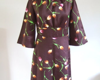 UK 12 Vintage 1970s brown floral print satin dress with dagger collar B38""