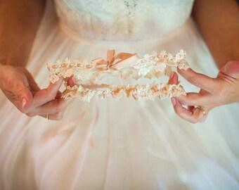 Venice Lace Garter Set -Lace Wedding Garter, Throw Garter, Ivory Garter, Champagne, Bridal Garter, Off White Garter, Lace Garter Wedding