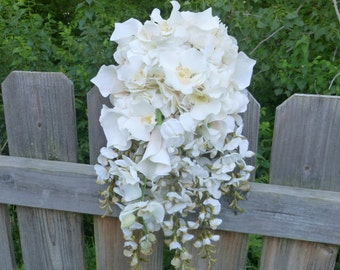 Ivory, light champagne cascading bouquet, cascading bridal bouquet, ivory bridal bouquet