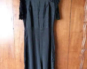 Antique Victorian French black muslin w floral lace dress w pleats, 1900s black victorian steampunk gothic dress clothing from France