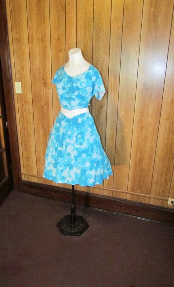 On Sale-LOVELY Blue FLORAL Full Skirted TEA Dress
