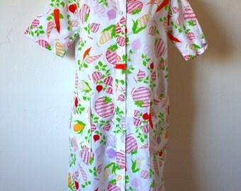 Vintage Novelty Vegetable Print Bed Jacket Mumu