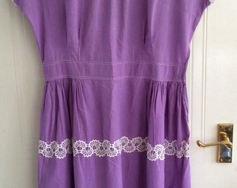Very sweet 1950s Lavender Vintage Summer Cotton Dress