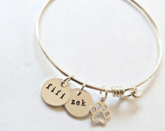 Personalized Pet Bangle, Pet Mom, Pet Memorial Jewelry, wife gift, gift for her, Pet Lover Gift, Cat Jewelry, Custom Pet Jewelry, teen gift