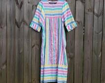 S M Small Medium Vintage 70s Pastel Rainbow Striped Elbow Length Sleeve Front Zipper Loungewear Robe Pajamas Nightgown
