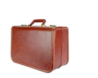 Vintage Brown JC Higgins Hardshell Suitcase // Vintage Weekend Bag Luggage // Vintage Carry-on Travel Bag
