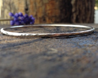Hammered Sterling Silver Bangle. Round Wire Hammered Bangle. Closed Silver Bracelet. Handmade Stacking Bangle. Made to Order in Your Size.