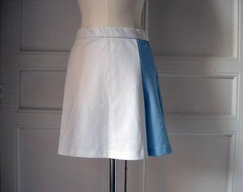FOUND IN SPAIN -- Vintage Izod tennis skirt