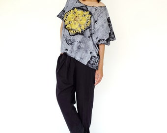 NO.169 Gray and Gold Cotton Jersey Batwing Short Sleeve Printed  T-Shirt, Gold Embroidery Top