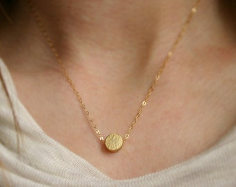 Gold dot necklace / Simple necklace / Dot necklace / Gold or silver disc / Personalize / Everyday necklace