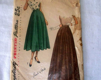 1950s Simplicity Skirt Pattern - 2461 - Size 28 - Cut Complete