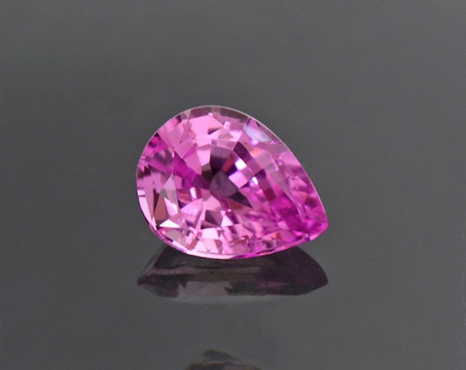 Outstanding Hot Pink Sapphire Gemstone from Sri Lanka 0.51 cts