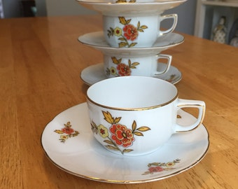 Four Beautiful Demitasse Cup and Saucer Thomas Bavaria