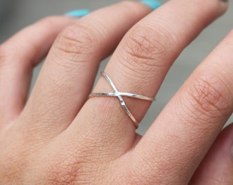 Cross Ring - Crisscross
