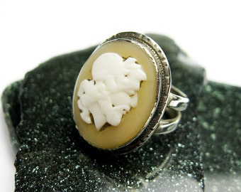 Large Aristotle Antique,1900, Shell Cameo Ring, Signet Ca.1900 Continental Europe.