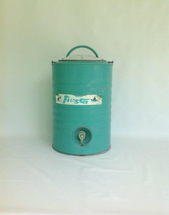 Vintage blue igloo metal cooler igloo galvanized metal water - Igloo vintage ...