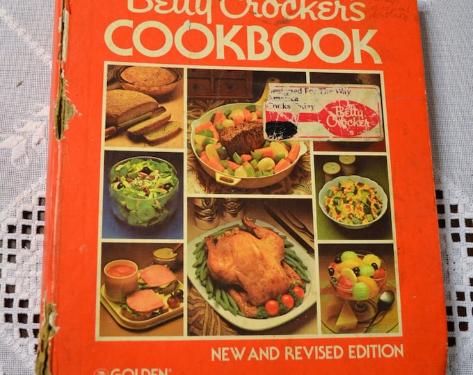 Betty Crocker Cookbook 1982 Hardback 5 Ring Binder Vintage Used Book Craft Supplies Vintage Decor PanchosPorch