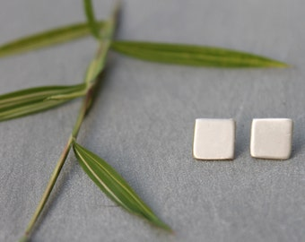 Geometric Silver Stud earrings, Tiny Square Earrings, Tiny Silver Square Earrings, simple earrings, everyday earrings