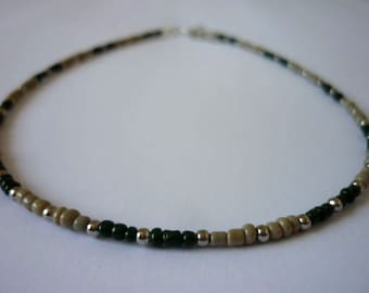 Camouflage Beaded Choker Necklace, Green Seed Bead Necklace, Army Green & Beige Necklace, Camo Beaded Necklace