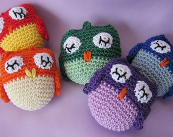 Sleepy Owl crochet key ring