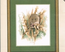 CCS - HERITAGE STITCHCRAFT - Harvest Mouse Counted Cross Stitch Pattern - Mouse With Grain Sheaves - John Stubbs Editions