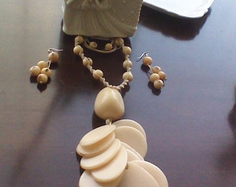 Tagua Nut and Acai Seeds Necklace and Earrings Set/ Peruvian Eco Friendly Necklace and Earrings Set/Organic Jewelry Set/
