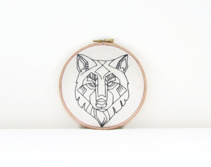 Wolf wall hanging, hand embroidery hoop, embroidery art 6 inch hoop, wolf totem, animal embroidery, new home gift, handmade in the UK