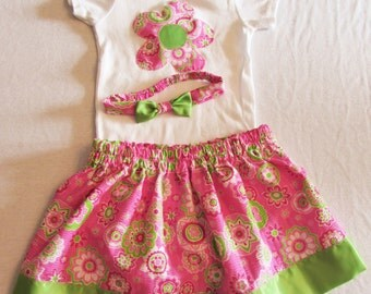 Onsie applique flower onsie/matching skirt/matching headband/12 prints