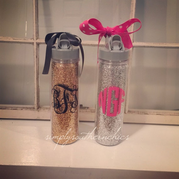 monogrammed glitter water bottle glitter by simplysouthernchics