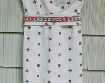 White Embroidered 1960s Asymmetrical Dress