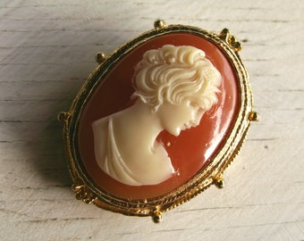 Vintage Hollywood Oval Cameo Brooch 1950s golden tone frame women elegant retro jewelry British
