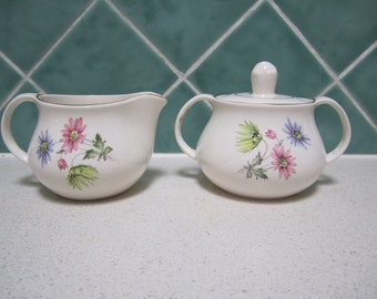 Vintage Milk Jug/Creamer and Sugar Bowl - Pretty Floral Pattern - Art Deco - Egersund, Norway