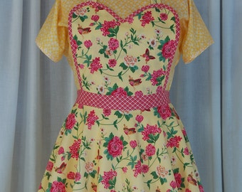 Flowers & Gingham Sweetheart Apron / Retro Style Apron