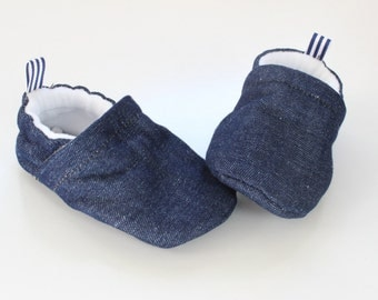 blue denim - baby shoes, Soft Sole Baby Shoes, Fabric Baby Booties - great gift idea!