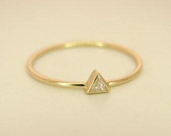 Diamond Ring, Engagement Diamond Ring, Triangle Diamond Ring, Diamond Rings, Engagement Diamond Ring, Gold Diamond Ring, Simple diamond ring