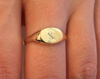 Engraved ring, Personalized Ring, Signet Ring, women ring, personalized gift,   Monogram Initial Ring, letter Ring, pinky ring, custom made