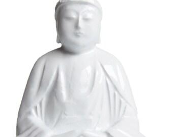 White Buddha Statue. Japanese. Antique. Shaka Nyorai. Seated Buddha Sculpture. Hand carved. Wood. Buddha Statue. Peaceful. Meditation.