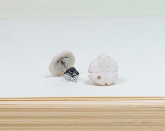 Tiny Beige Sand Dollar Earrings, Nautical Beach Wedding Jewelry, Cottage Chic Studs Neutral, Natural, Small Studs