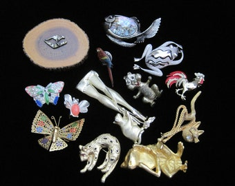 Animal Brooch Lot Pin Destash Butterflies Vintage Pins Gold Tone Enamel Moth Costume Jewelry De-stash Craft