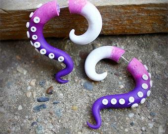 Purple fake gauges earrings, faux earrings, octopus fake gauges, tentacle earrings, purple pink white, summer trends, festival jewelry