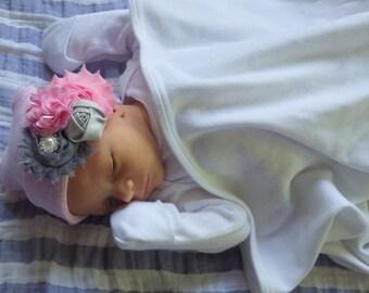 Newborn Hospital Hat. Newborn Girl Hospital Beanie. Newborn Girl Hat. Hospital Hat with Flowers
