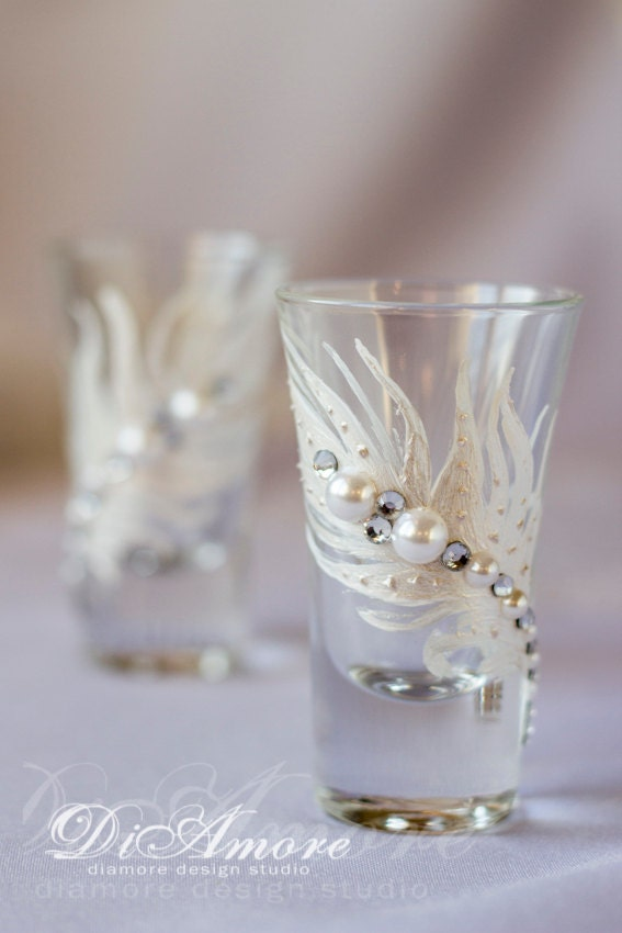 white and pearls shot glasses personalized wedding by diamoreds