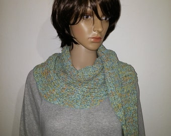 Knitted Sommerschal of Ribbon yarn in gold with turquoise