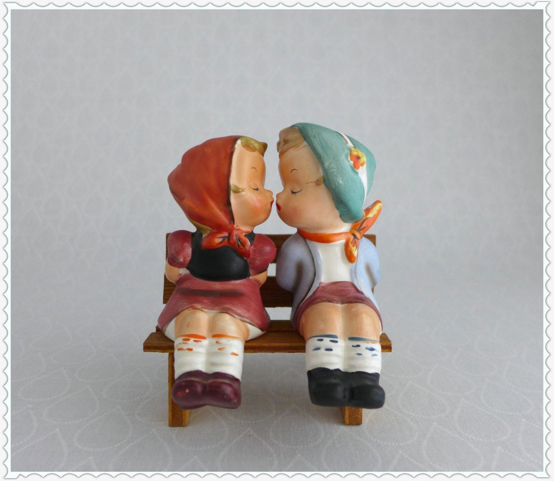 Kissing boy girl salt and pepper shakers vintage - Salt and pepper shakers hugging ...