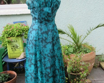 Vintage Chiffon and Taffeta Evening Gown- Late 1950s/Early 1960s- VGC Size 8
