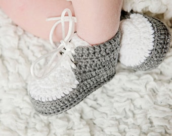Baby Boy Crochet Shoes, Gray and White Boy Shoes, Crochet Sneakers, Crochet Baby Booties, Crochet Baby Boy Booties, Gray and White Boy