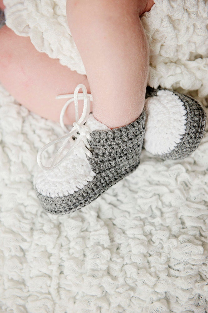 Baby Boy Crochet Shoes Gray and White Boy Shoes Crochet
