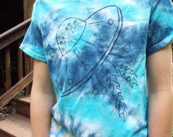 Kids Alien Shirt, Custom Tie Dye Kids Alien Tshirt, Spaceship Shirt, UFO Shirt, Space ship, ET Shirt Extra terrestrials, Space Birthday Gift